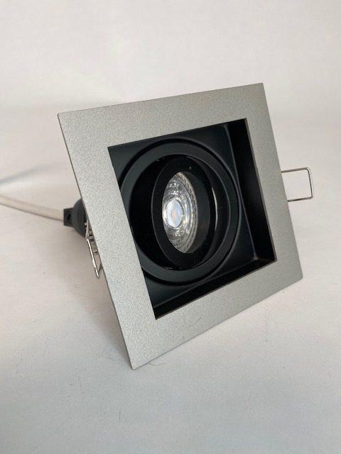 Zijaanzicht licht zwarte Inbouwspot Carrè met 1 spot