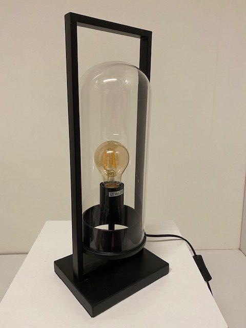 Prachtige metalen tafellamp met een LED Filament.