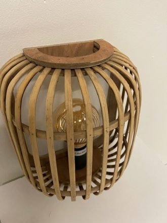 Prachtige houten wandlamp genaamd Malacca