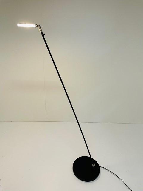 Leeslamp Turound LED zwart met helder glas
