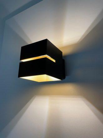 Wandlamp Kubus zwart + goud
